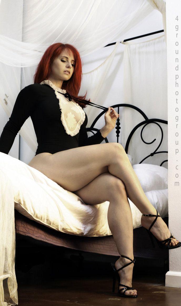 Hermosa, leg mature woman