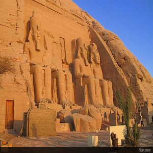 abu-simbel-egypt-top10