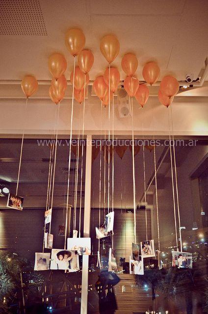 Decoración de bodas con globos con fotos de los novios y familiares