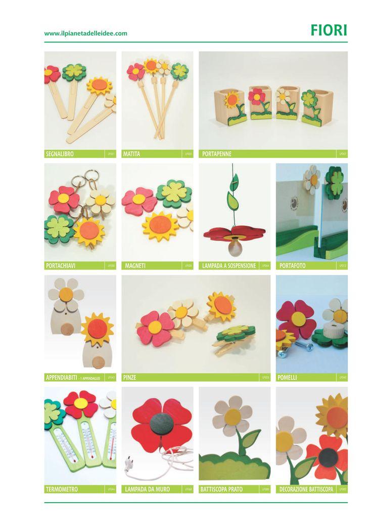 questi fiori sono stati disegnati a mano e poi usato il materiale in legno