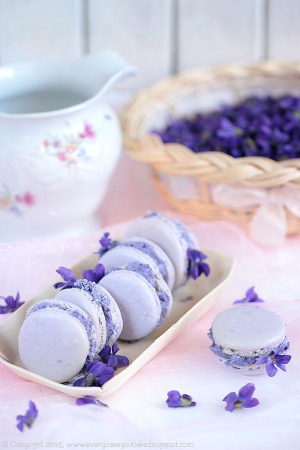 # fiołki #violet #makaroniki #macarons #edibleflowers