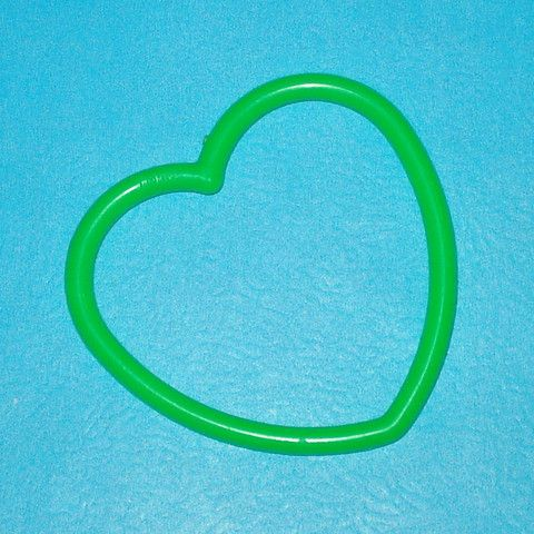 Plastic Heart Bangle - Green - Mookie Designs Vintage
