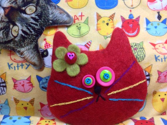 Red cat purse by showmealittlesign on Etsy, $15.00