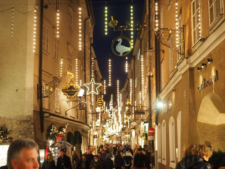 Christmas shopping along Salzburg's elegant streets