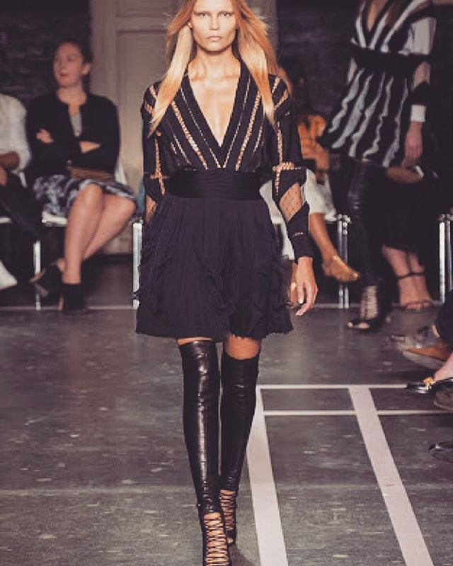 From runway to your door! GIVENCHY - RUFFLED SILK CHIFFON-TRIMMED JERSEY MINI DRESS/RRP $3839 /HIRE NOW from $849 // Available in size 8. Order now and receive 20% off* Exclusively available at www.iamfinesse.com.au  #iamfinesseau #Givenchy #Runway #UltimateLuxury #DressesForHire #NewArrivals #OnlineDressHire #Australiawide #Fashionlovers #Fashionistas #Stylists #Style #Fashionblogger #DressHire