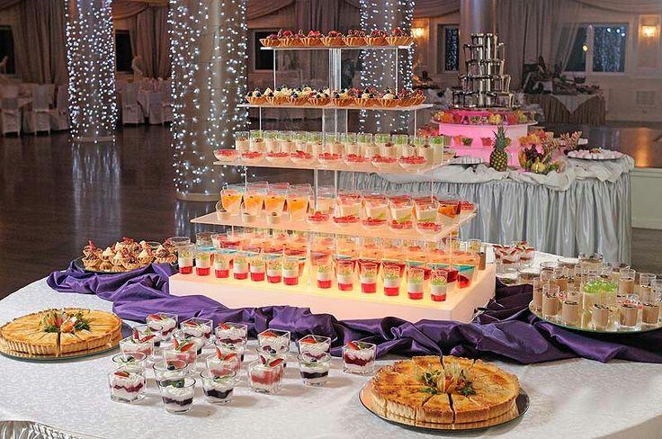 Prostokątna piramida która pomieści 160 deserów