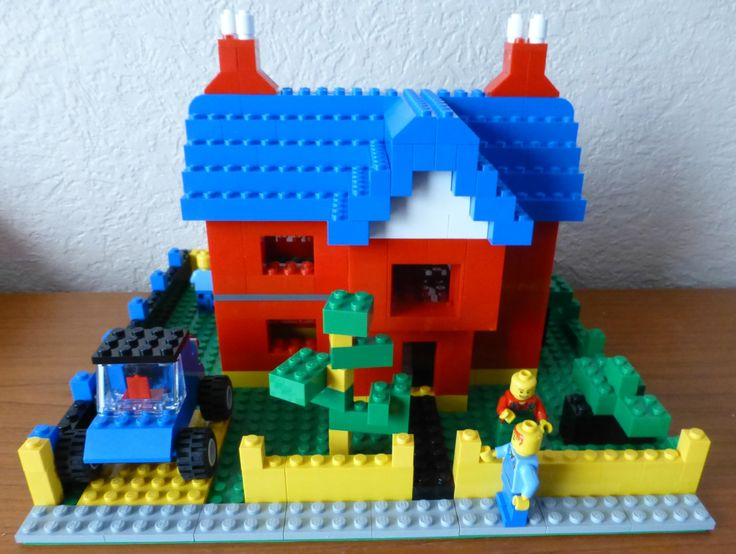 Front of lego house (scratch model) using two 6166 sets
