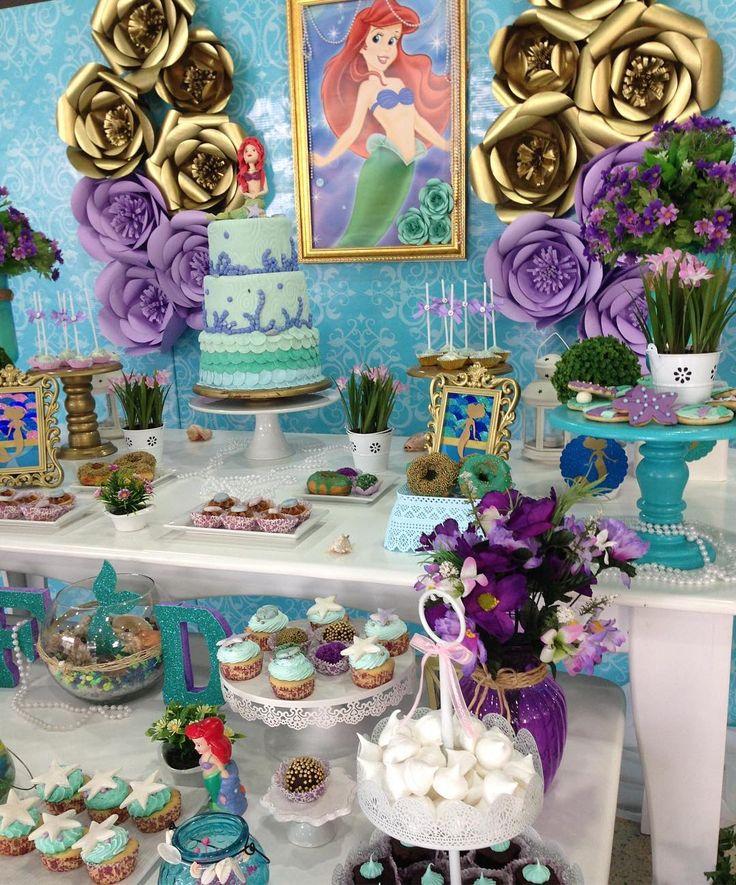 La sirenita fue la protagonista de esta mesa principal que diseñamos para celebrar el cumpleaños ...