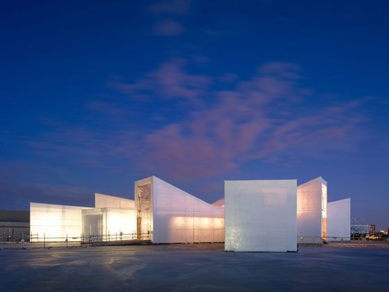 Studio East Dining | temporary structure using recycled construction materials
