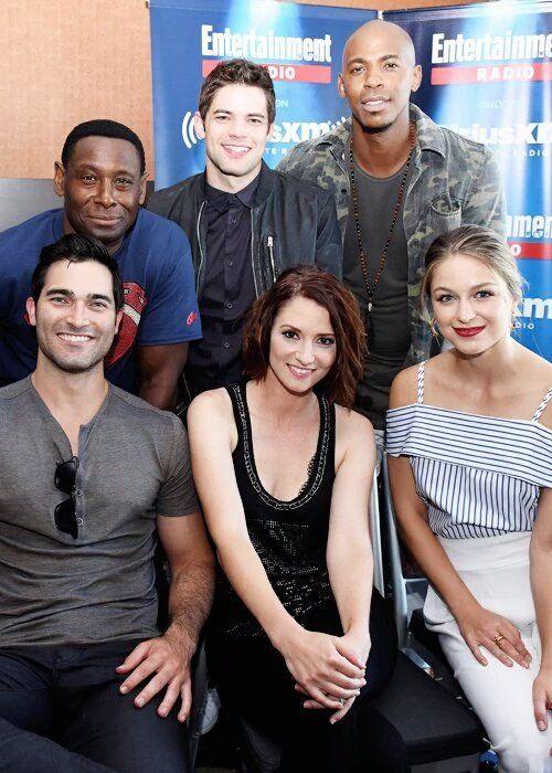 El elenco de Supergirl también pasó por la Comic-Con - www.deborarte.com.ar