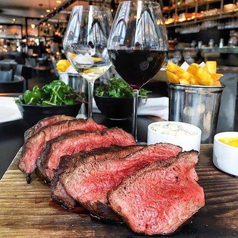 What are your favourite London steak spots?? Here is the grilled chateaubriand at The South Place Chop House @southplacehotel 📷 by @littlemsfoodie #toplondonrestaurants #topcitybites