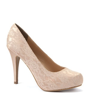 Work some luscious lace with this stiletto champagne coloured court shoes. Perfect finish to your prom dress. £22.99  #newlookfashion #prom #shoes