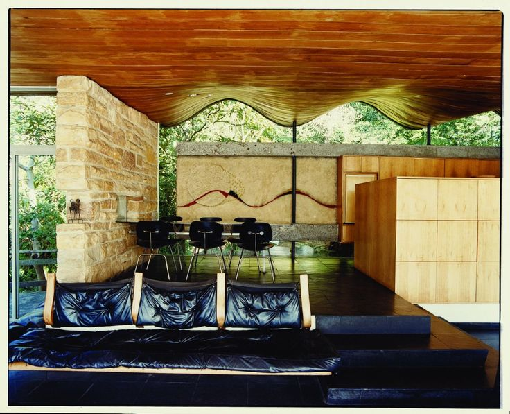 Iconic Australian Houses, curated by Karen McCartney and presented in partnership with Architecture Foundation Australia is a behind-the-scenes exploration of 30 of the most important Australian homes of the past 60 years.