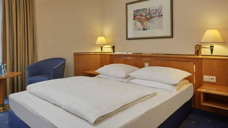 Komfort Queensize Zimmer im H+ Hotel Magdeburg