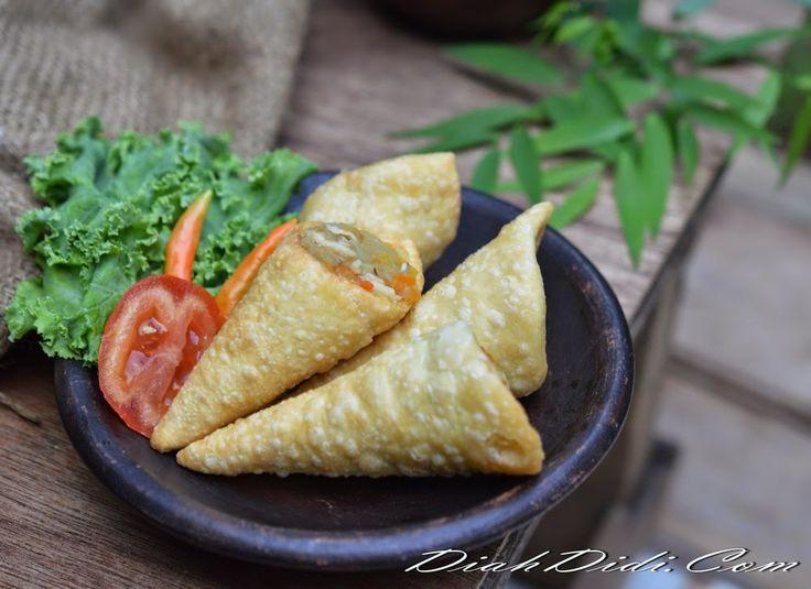 Diah Didi's Kitchen: Pastel Kerucut