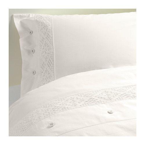 IKEA - EMMIE SPETS, Bettwäscheset, 2-teilig, 140x200/80x80 cm, , Kühle Bettwäsche aus Perkal, einem dichtgewebten, feinfädigen Baumwollgarn.Dichtgewebte feinfädige Garne sorgen für angenehmen Griff und lange Haltbarkeit.Dekorative Knöpfe mit Textilüberzug sorgen dafür, dass Decke und Kopfkissen nicht herausrutschen.