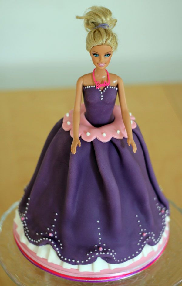 223 best images about Barbie doll cake ideas on Pinterest ...