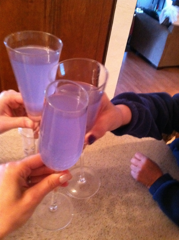 Purple Hypnotic, Whipped Creme Vodka, 7up and a splash of Island Punch Pucker -- This looks like a fun, girly drink!