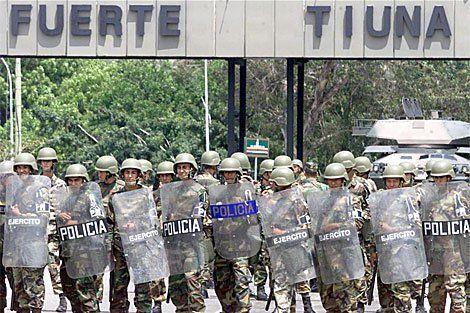 A alguien esperan en Fuerte Tiuna, por Sebastiana Barráez -  FANB. Es la Fuerza Armada Nacional Bolivariana. Está activada en la protección de los cuarteles, especialmente el Fuerte Tiuna. Las alcabalas de acceso al principal Fuerte del país, donde está no solo la sede del Ministerio de la Defensa y de la Comandancia del Ejército. En la alcabala 5, de la ... - https://notiespartano.com/2018/01/12/alguien-esperan-fuerte-tiuna-sebastiana-barraez/