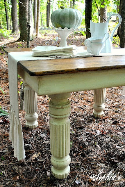 Sophia's: An Old Oak Table Transformation...luv the chunky legs in old white