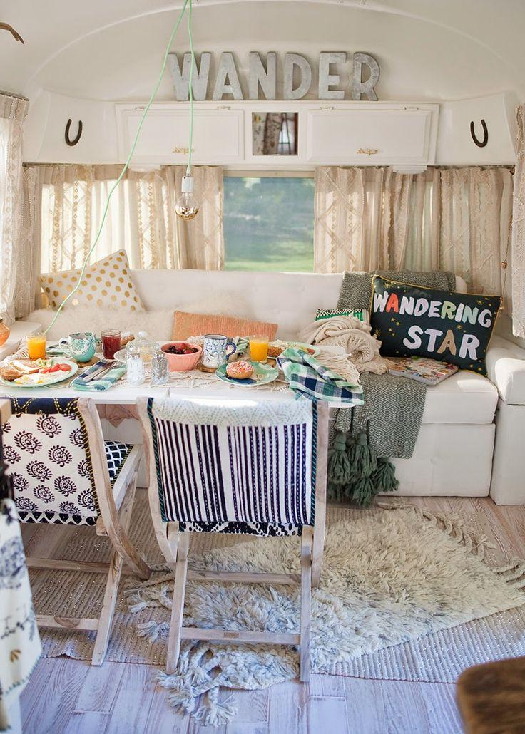 HOME & GARDEN: Une caravane rétro rénovée
