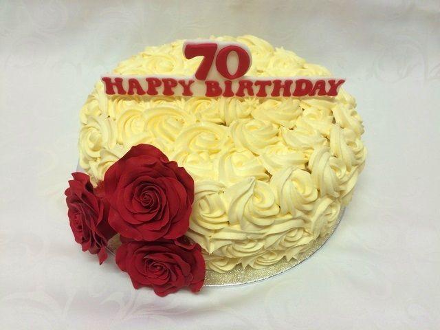 Rote Rosenblumen- Torte