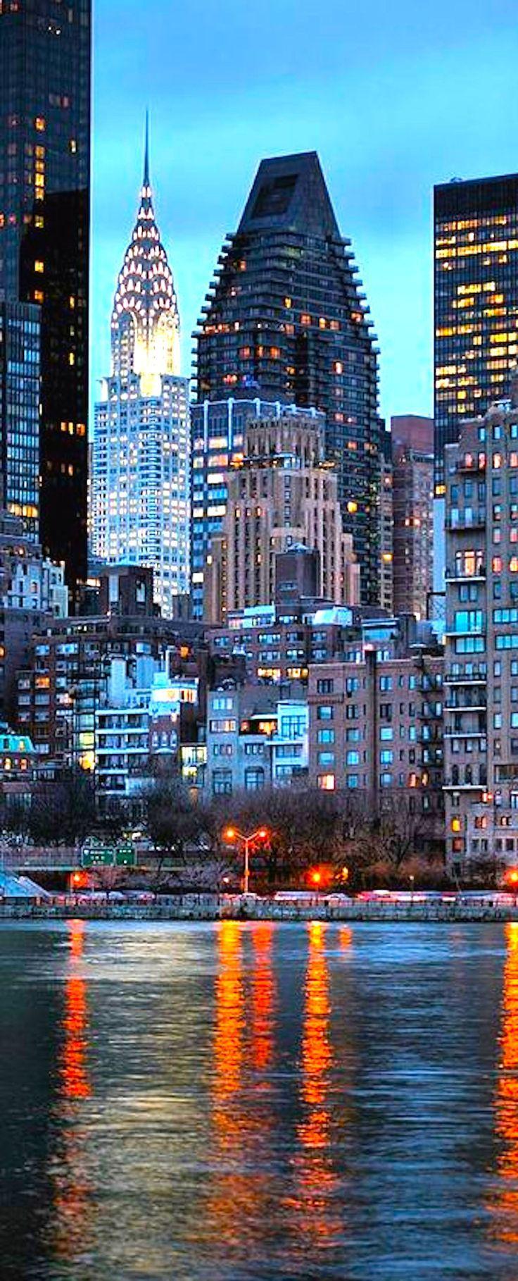 New YorkJournée finie On va voir la Tour Eiffel en bleu blanc rouge Des bisouxxxxx