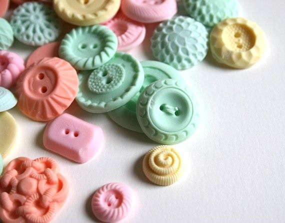 Peppermint candy vintage buttons! Andies Specialty Sweets is the coolest Etsy shop! These would be perfect for cupcakes.