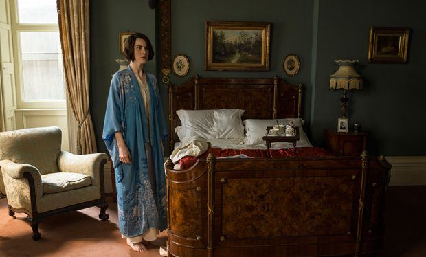 RadioTimes | Downton Abbey series 6, episode 1 recap: Blackmail, staff cuts and sexy stuff