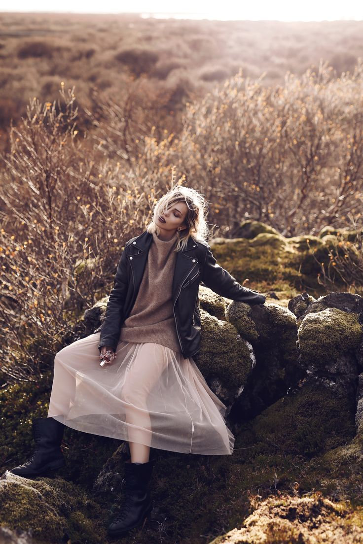 Blumenmeer | Fashion Blog from Germany. Pale brown sweater+blush tulle dress+black lace-up midi boots+black moto leather jacket. Fall Outfit 2016