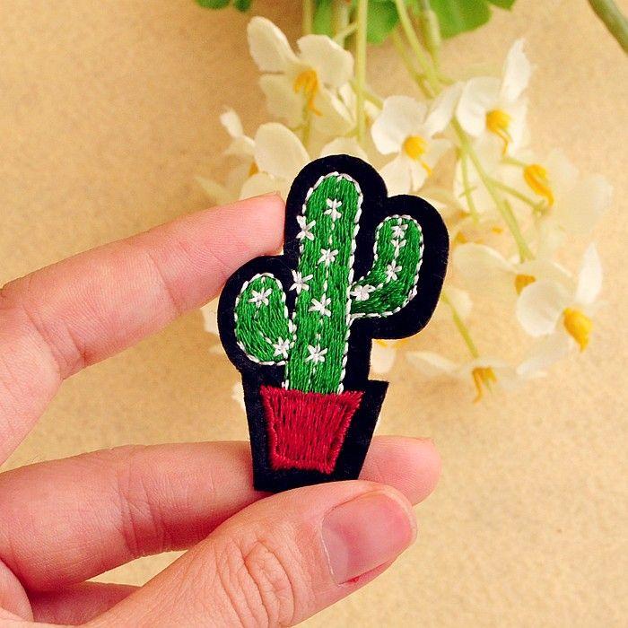 Aliexpress.com: Comprar Cactus (Tamaño: 3.4*5.3 cm) de Tela de Dibujos Animados Insignia Mend Decorar Bolsa de Zapatos Ropa Parche Jeans Chaquetas decoración Apliques de ropa colgada fiable proveedores en Lucky100%