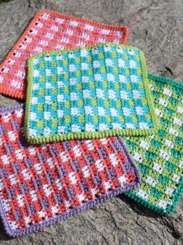 Mod Gingham Dishcloth  - free pattern (scroll to bottom of page below pictures and info for pattern)