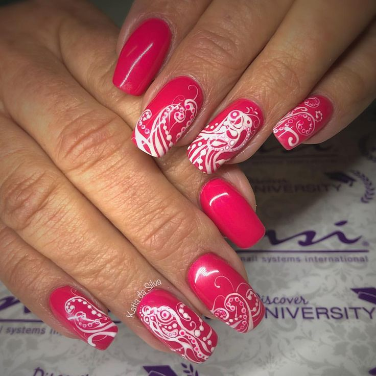 Paisley Octopus design all hand painted with NSI Design gel. Had fun doing these…  – My Nail art board