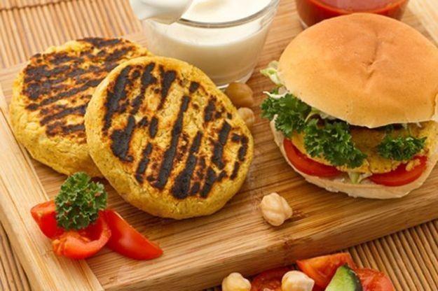 Ricette hamburger vegetariano, dal cavolo ai legumi: le varianti senza carne