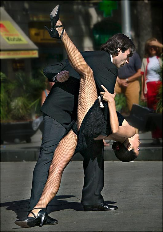 Chel and Miguel was seen in Mexcio doing the tango....I thought they were on a visit to Miguel's Family ...but turn's out they practice everyday for contest....