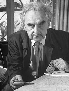 Richard Neutra, (1926-1970)  Worked with Mendelsohn, was included in Johnson's MoMA exhibit. Celebrated for geometric but airy structures.