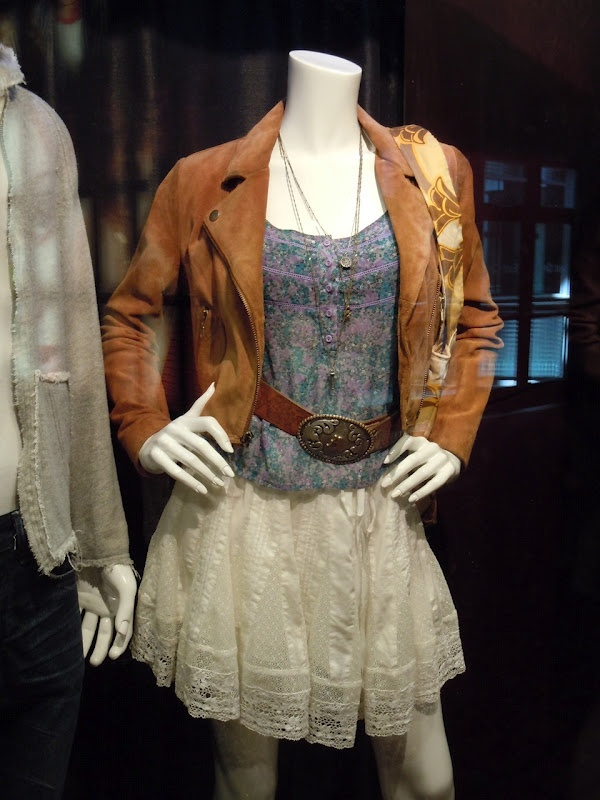 one of Julianna Hough's outfits in Footloose
