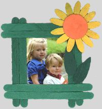 Craft Stick Photo Frame - great project to do with the kiddos