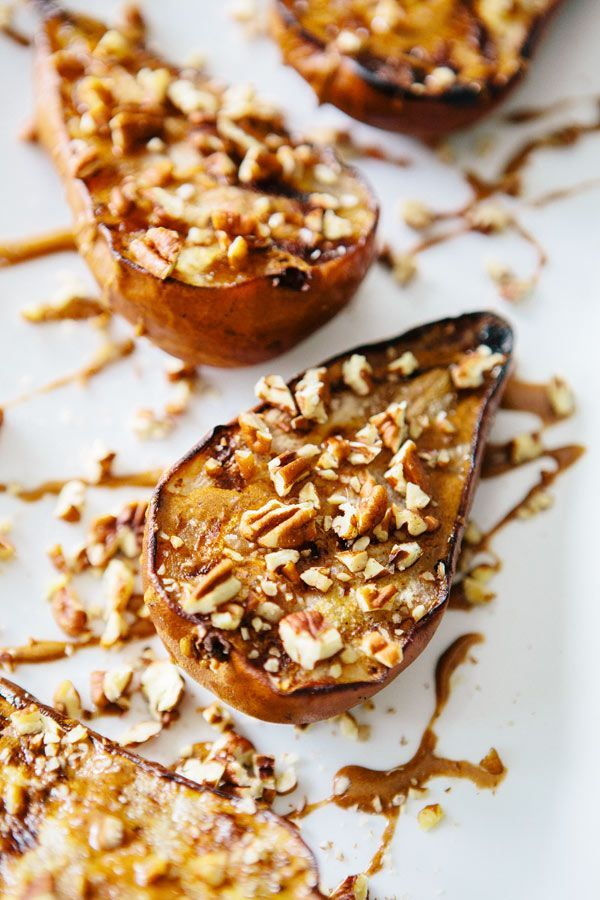 Grilled Pears with Cinnamon Pecans