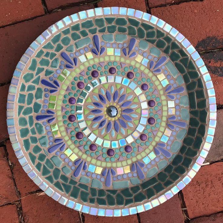 1179 best Mosaic birdbaths images on Pinterest | Mosaics ...