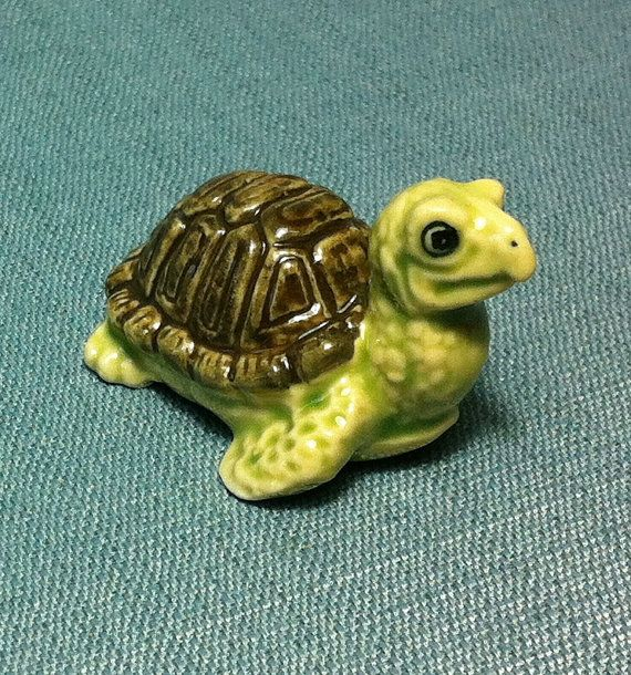 Miniature Ceramic Turtle Reptile Sea Animal by thaicraftvillage