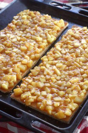 preparare prajitura cu mere si caramel 2
