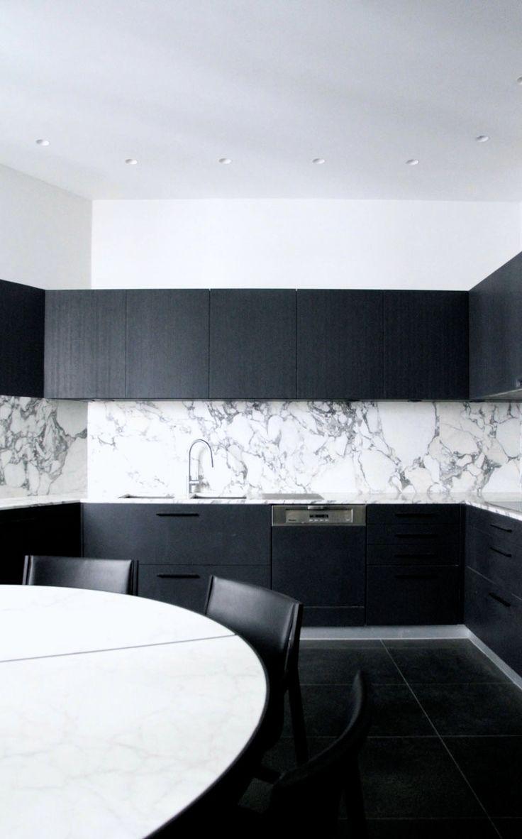 Crédence en marbre blanc | Guillaume Terver & Christophe Delcourt (lelad) | Appartement Paris XVIème, 2012