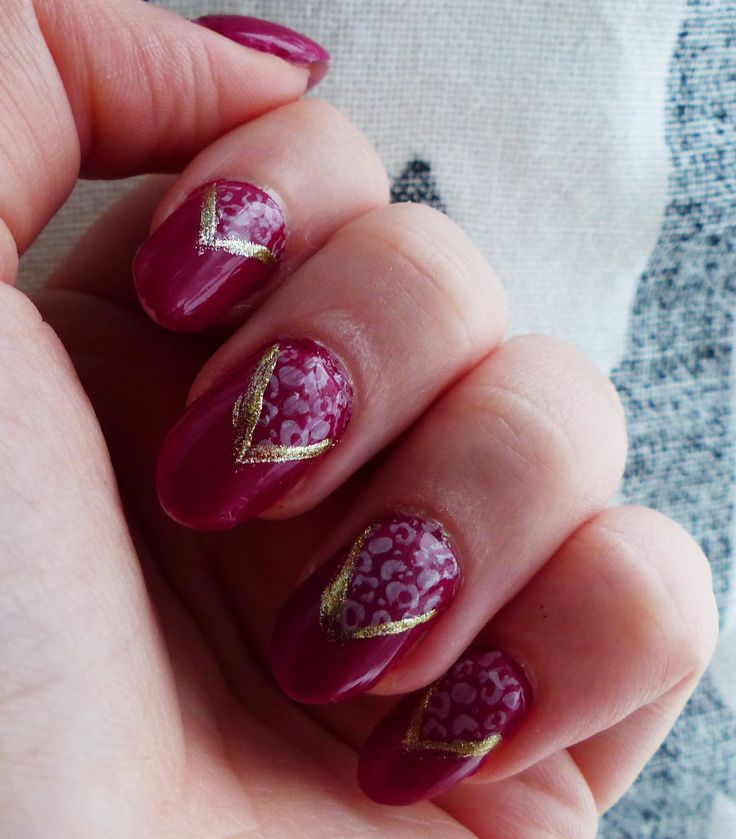 www.berylli.fi #nails #nail #art #nailart #kynsikoristelu #kynsitaide #kynnet #wine #red #gold #stamping #stamp #kauneus