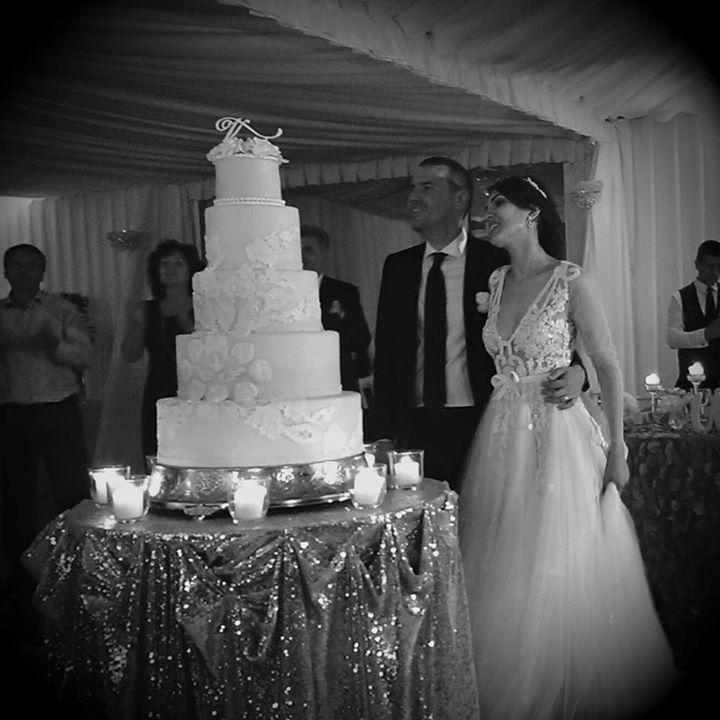 glitter, elegant wedding cake