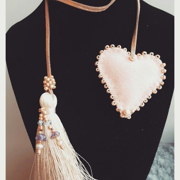 Handmade necklace made with leather, cashmere,  gold plated beads and pink agate and pearls. Order it now on www.accessoiresduluc.com