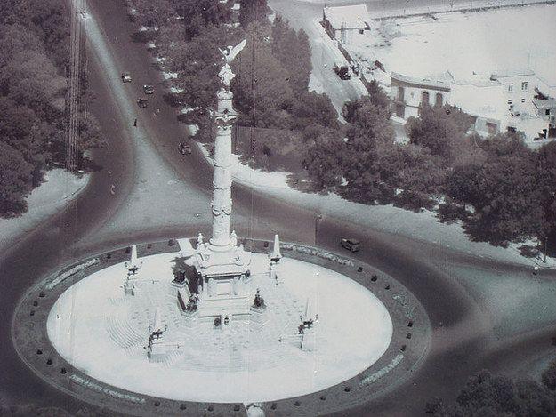 Un artículo como este podría funcionar muy bien para la revista Ciudad de México 1920-presente: | 21 Fotos de ciudades antes y ahora