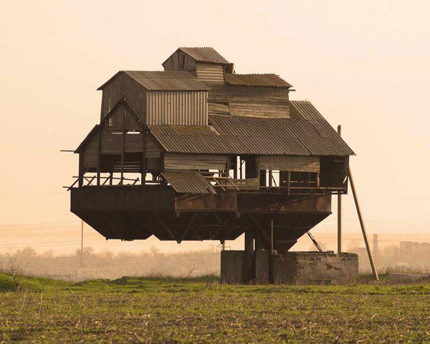 Maison qui défie les lois de la gravité, Ukraine