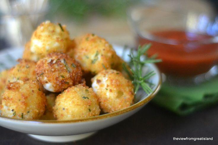 Fried Rosemary Mozzarella Balls #mozzarella #rosemary