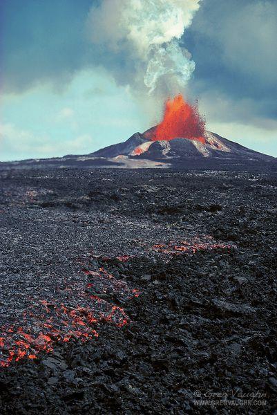 Pu u o o volcano | Pu'u O'o eruption and a'a lava flow; Hawaii Volcanoes National Park ...